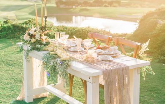whitewash sweetheart tables